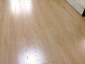 内装リフォーム まっすぐに組み直した床と傷がつきにくい床材
