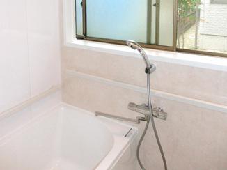 バスルームリフォーム 暮らしやすく、生活にフィットするお風呂と洗面室