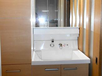洗面リフォーム トールキャビネットですっきりな見た目で収納力のある洗面所