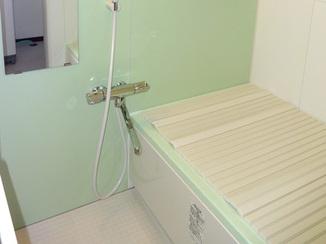 バスルームリフォーム 冷たさの無い浴室と使い勝手を考えた洗面