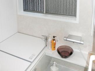 バスルームリフォーム 断熱と浴室暖房で温かなバスルームと洗面所