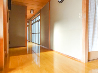 内装リフォーム 和風の自宅によく似合い高級感をプラスする床