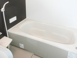 バスルームリフォーム グッと広くなりのびのびできる浴室と広々洗面所