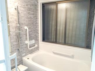 バスルームリフォーム 細かな部分の提案でグッと便利になったお風呂とオール電化の住宅