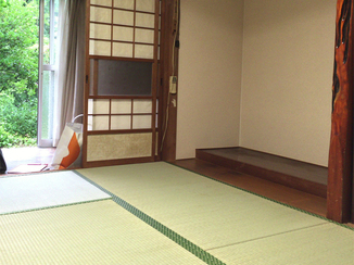 内装リフォーム 防湿シートで湿気を防ぎ、気分も晴れやかになるお部屋に
