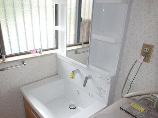 洗面リフォーム レバーひとつで操作ができ、掃除もしやすくなった洗面台