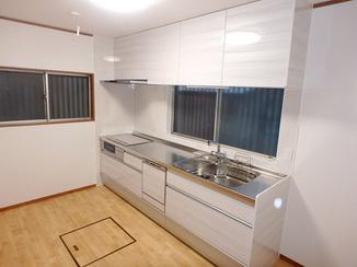 キッチンリフォーム 家事動線を改善し、使いやすくなったキッチン