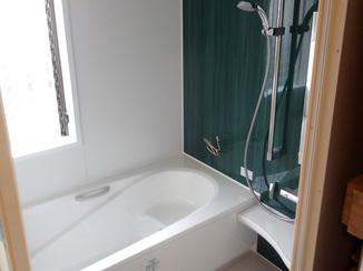 バスルームリフォーム 暖かい床で冬も過ごしやすいバスルーム
