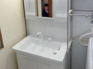 洗面リフォーム 割れにくい人工大理石で安心して使える洗面化粧台